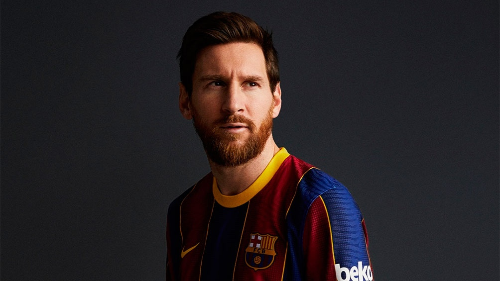 Messi transita por dos caminos paralelos